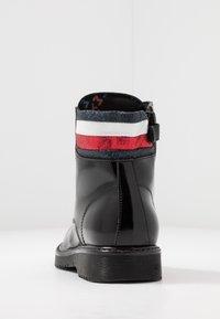 Tommy Hilfiger - Šněrovací kotníkové boty - black - 3