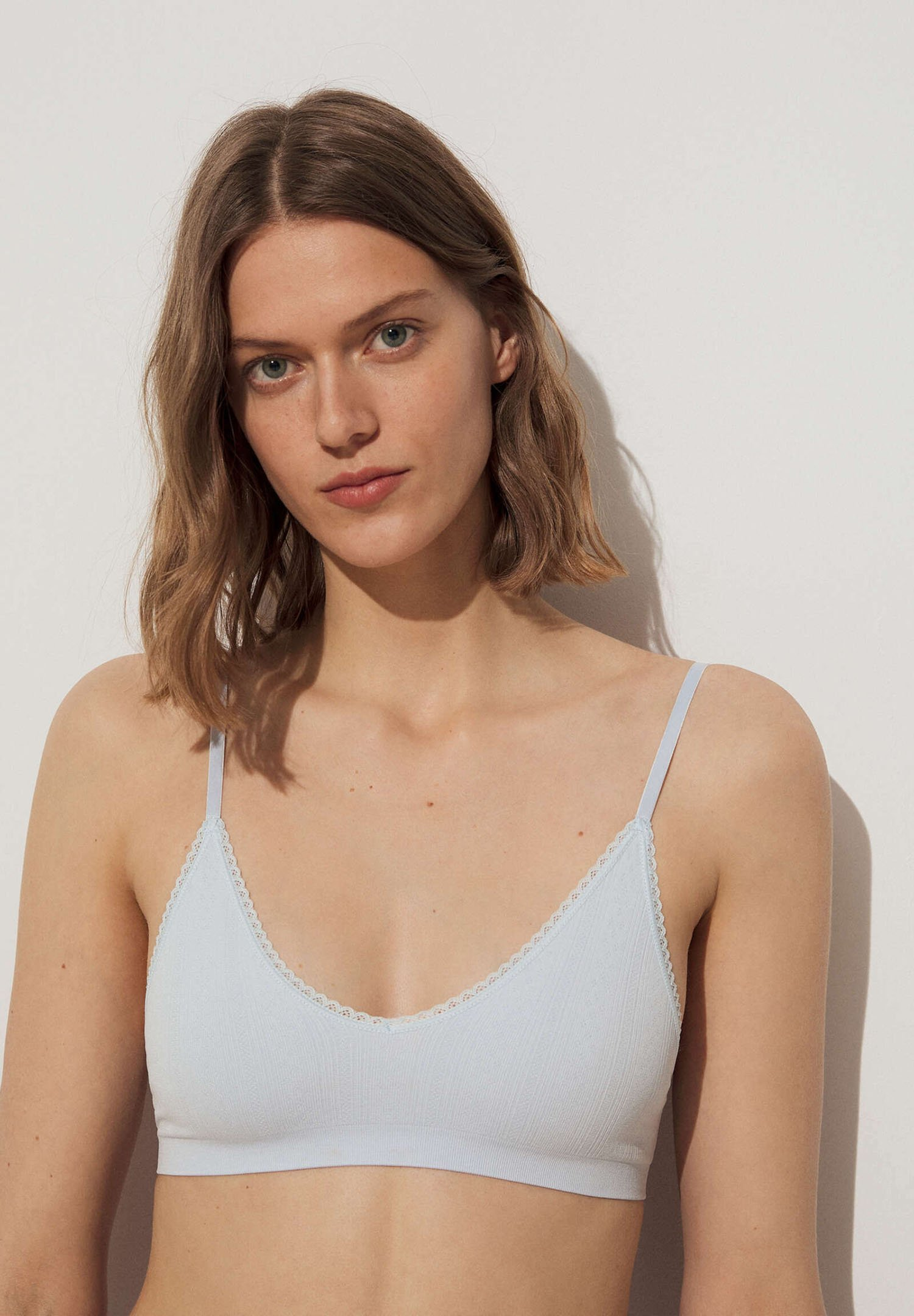 Femme WITH REMOVABLE CUPS - Brassière