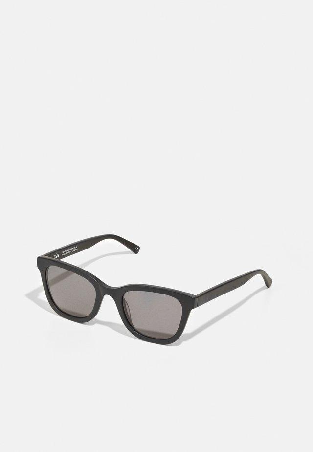 VARS - Sluneční brýle - northern black matte/black
