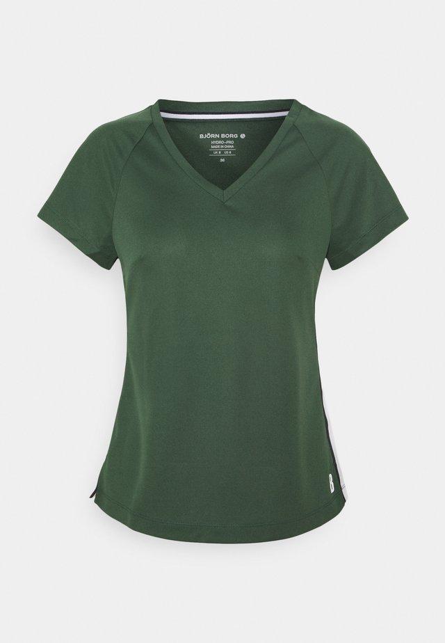 TESIA TEE - Treningsskjorter - sycamore