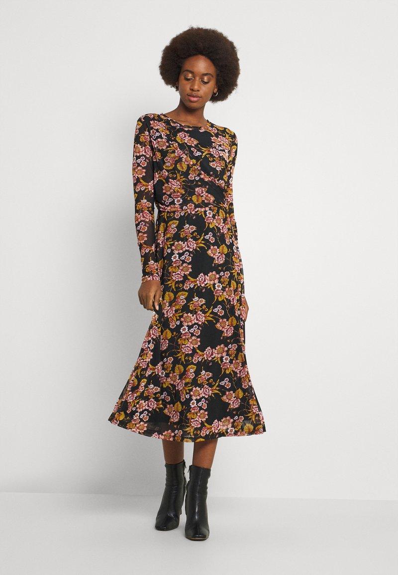 VILA TALL - VIGORGEOUS MIDI DRESS - Day dress - blumina