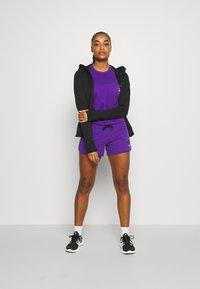 The North Face - RAINBOW SHORT - Sports shorts - peak purple - 1