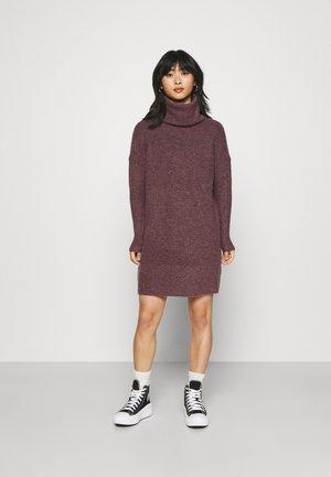 ONLJANA DRESS - Neulemekko - rose brown