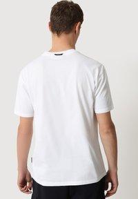 Napapijri - SULE - Print T-shirt - white graphic - 3