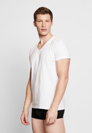 MEN V-NECK 2 PACK - Undershirt - white