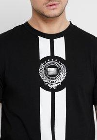 Supply & Demand - RUNNER  - T-shirts print - black - 4