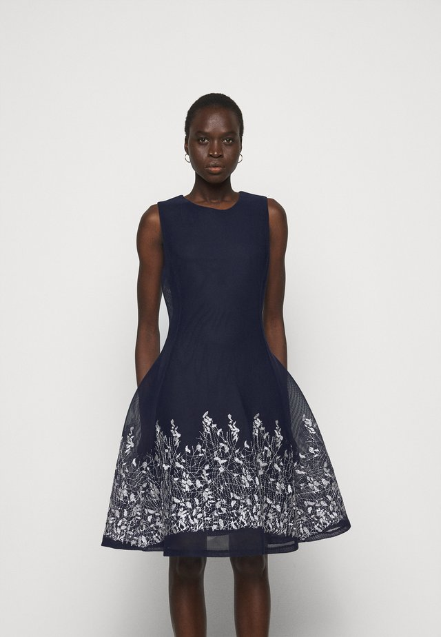 EMBROIDERED FIT AND FLARE - Etuikleid - midnight/ivory