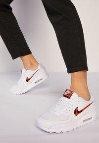 Nike Sportswear - AIR MAX 90 - Joggesko - white - 0