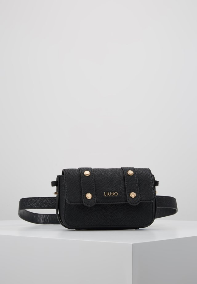 BELT BAG - Riñonera - black