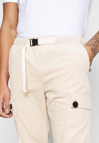 Sixth June - CORDUROY CARGO - Cargo trousers - beige - 3