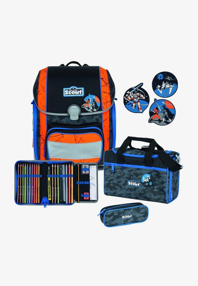SET - School set - multi-coloured