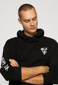 YOURTURN - PRIDE - Sweatshirt - black - 4