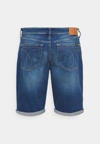 Calvin Klein Jeans - Farkkushortsit - denim dark - 1