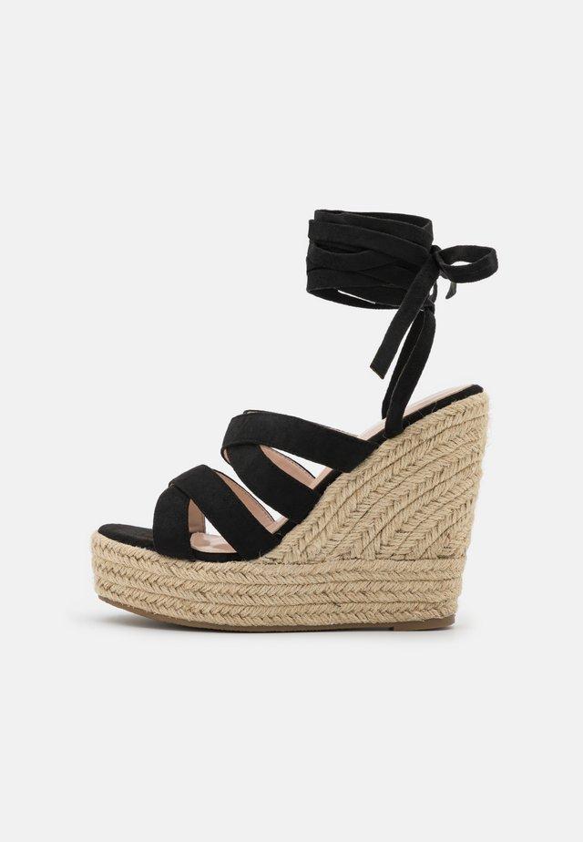 ANISKA - Sandalen met plateauzool - black