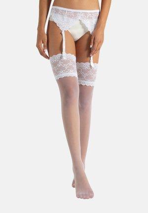 SET - Suspenders - nude
