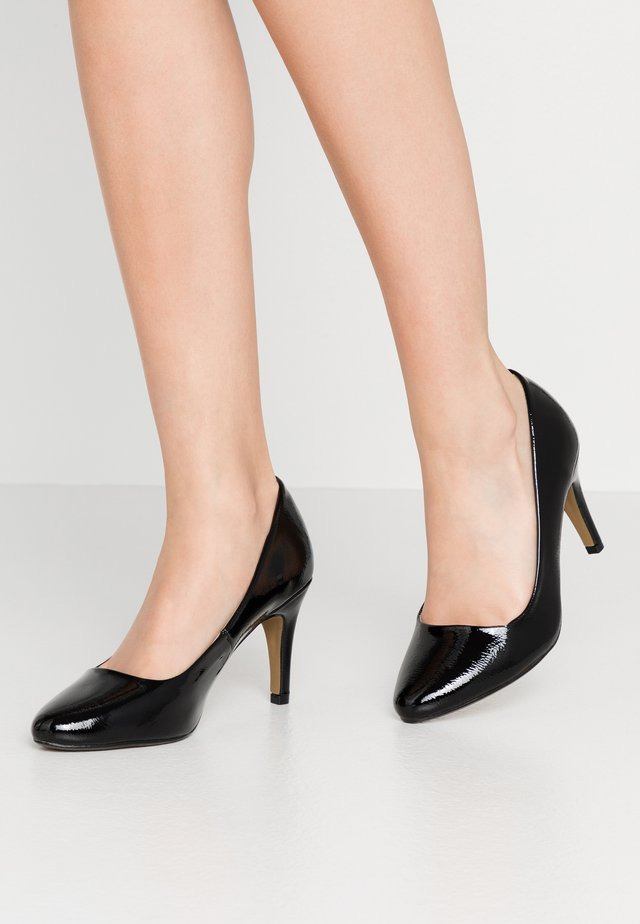 WIDE FIT DEEDEE ALMOND TOE COURT - Escarpins à talons hauts - black