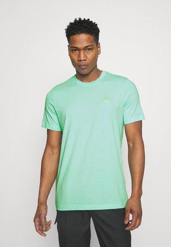 ESSENTIAL TEE - T-shirt - bas - clear mint
