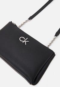Calvin Klein - XBODY ZIP - Taška spříčným popruhem - black - 3
