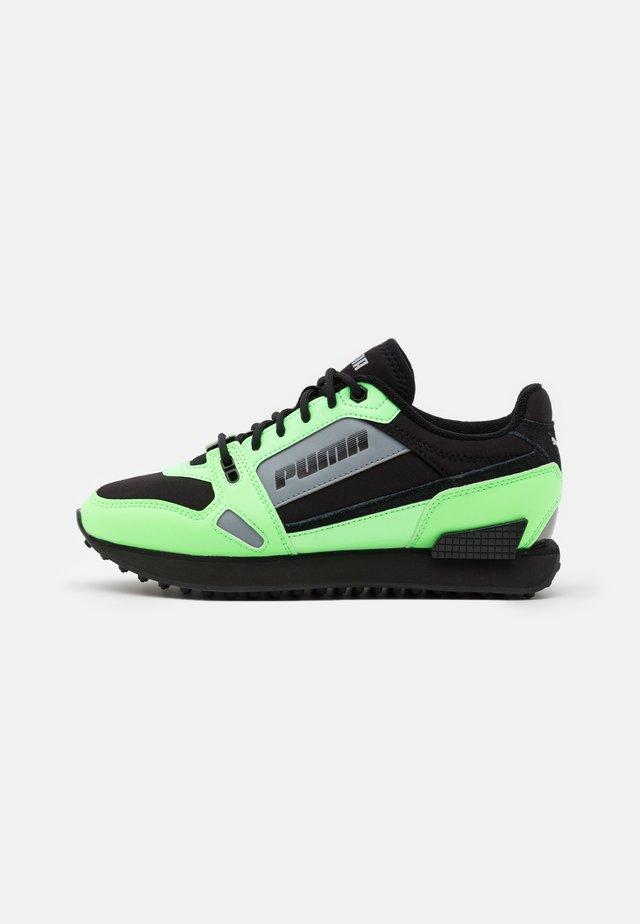 MILE RIDER BRIGHT PEAKS - Trainers - black/neon green