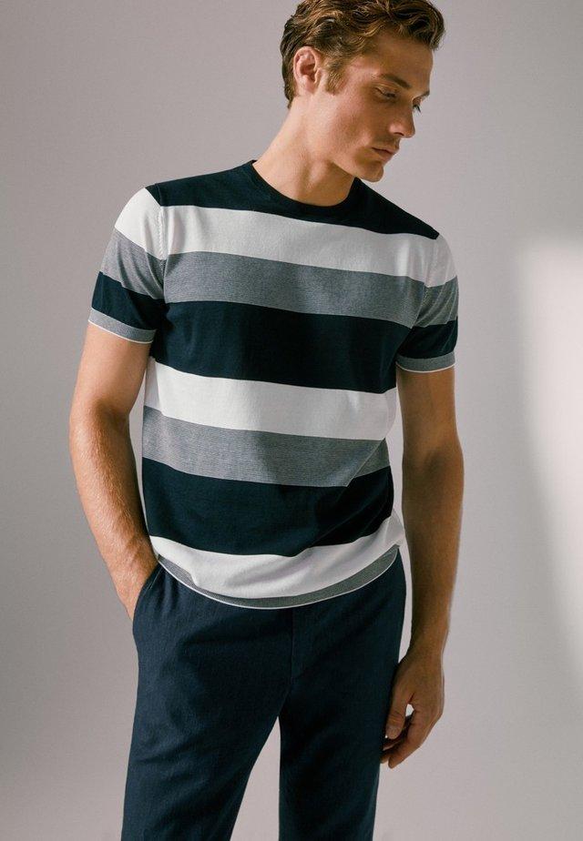 T-shirt imprimé - blue-black denim