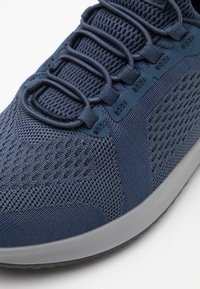 Skechers - DELSON - Trainers - blue - 5