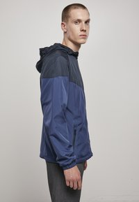 Urban Classics - TONE TECH - Windbreaker - dark blue - 3