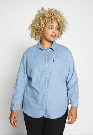 ULTIMATE BOYFRIEND - Camisa - light mid wash