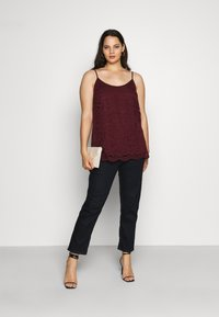 CAPSULE by Simply Be - ALL OVER CAMI - Blouse - aubergine - 1