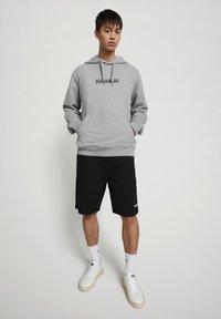 Napapijri - B-BOX HOODIE - Hoodie - medium grey melange - 1