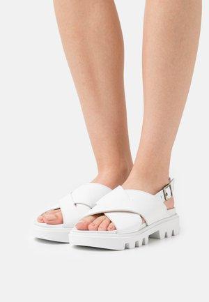 PIAVE - Korkeakorkoiset sandaalit - white
