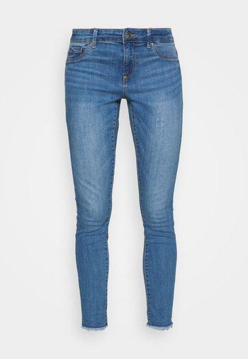 ONLEMMI LIFE - Jeans Skinny Fit - medium blue denim
