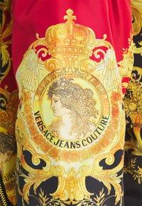 Versace Jeans Couture - LADY DUSTCOAT - Veste légère - carmin/black - 2