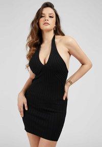 Guess - ADDY CROSSED DRESS - Shift dress - schwarz - 0