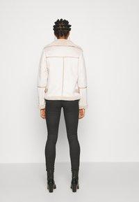 Fashion Union - VIVIENNE - Winter jacket - boucle - 2