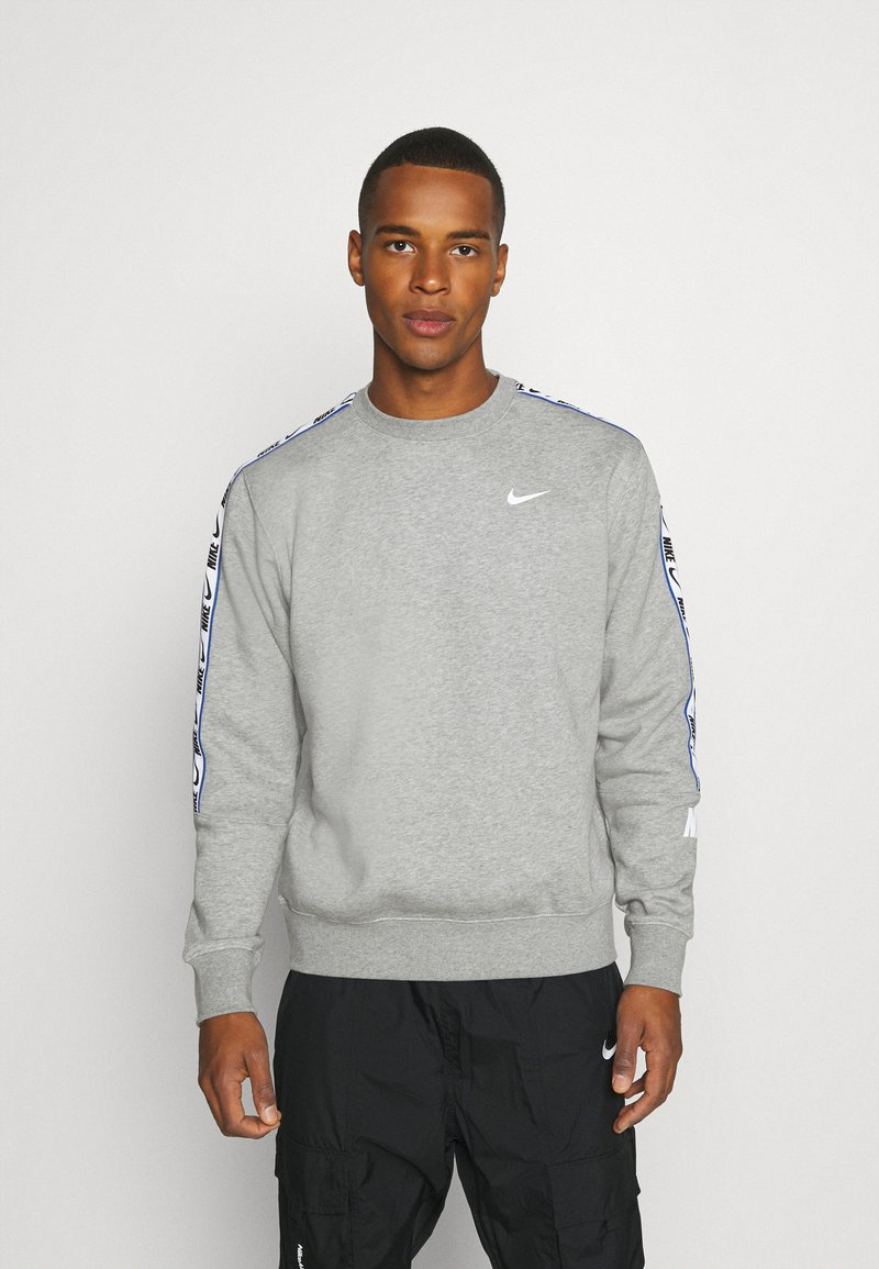 Nike Sportswear - REPEAT CREW - Sweatshirt - grey heather
