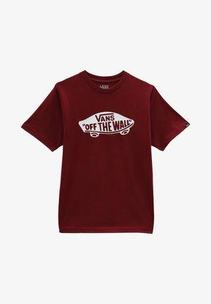 BY OTW BOYS - T-shirt med print - pomegranate