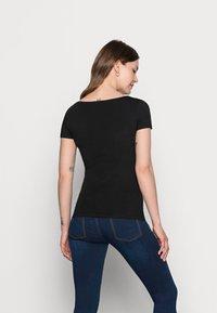 Anna Field MAMA - NURSING 2er PACK - Basic T-shirt - Camiseta básica - dark blue/black - 2