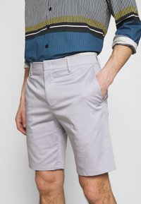 Paul Smith - GENTS - Shorts - lilac - 4