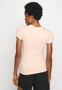 EDITED - NAARA - Print T-shirt - white swan - 2