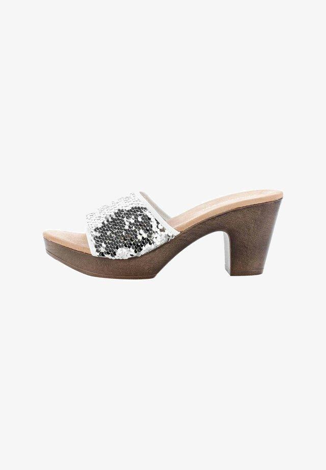 VAGLIO  - Korkeakorkoiset sandaalit - white