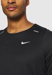 Nike Performance - Funktionstrøjer - black/white - 5