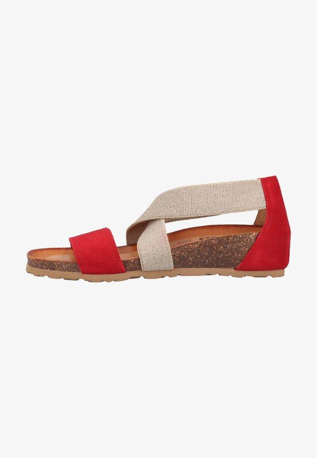 Sandały na koturnie - rosso