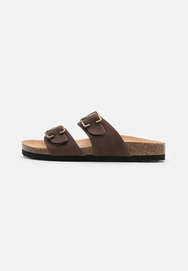 Slippers - dark brown