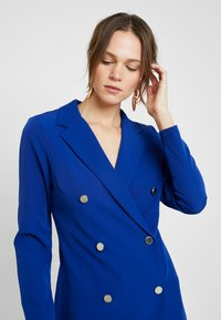 Dorothy Perkins - LOLA SKYE TUXEDO DRESS - Pouzdrové šaty - cobalt - 5