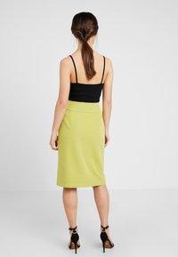 4th & Reckless Petite - RILEY SKIRT - Pouzdrová sukně - lime - 3