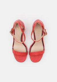 Miss Selfridge Wide Fit - WIDE FIT SOPHIA 2 PART BLOCK HEEL - Sandaalit nilkkaremmillä - red - 5