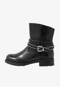 H.I.S - Kovbojské/motorkářské boty - black - 1