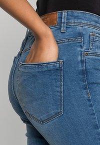 Vero Moda - VMTANYA PIPING - Jeans Skinny Fit - medium blue denim - 4