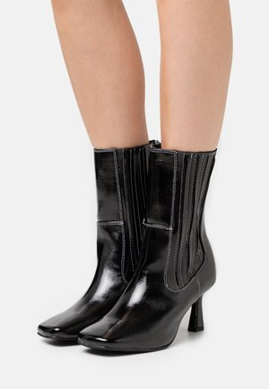ROWE - Classic ankle boots - black