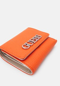 Guess - UPTOWN CHIC SMALL TRIFOLD - Portefeuille - orange - 3